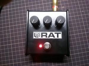 RAT ホワイトフェイスにLED増設(5mm赤LED+ナイロンホルダー)